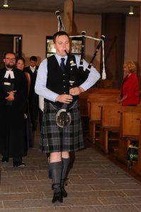 Buchen Sie mich z.B. bei Ihrer Hochzeit für den Einzug in die Kirche
